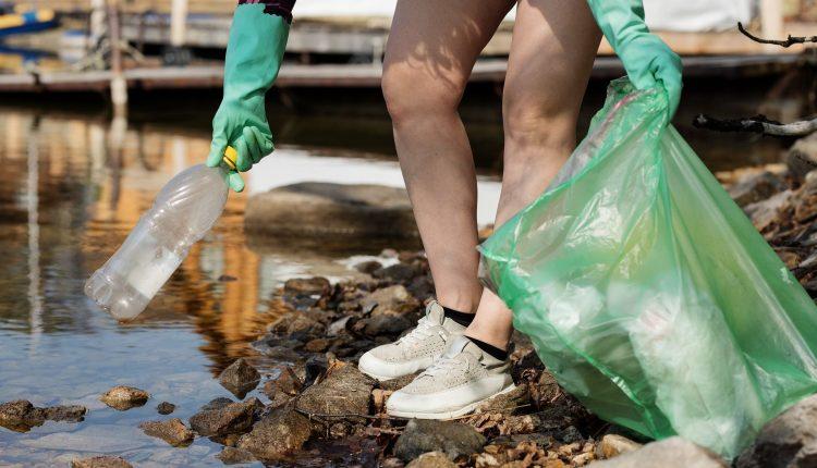 ramassage-dechets-plastique